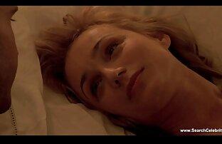 دو نوک پستان داده شده دانلود فیلم سینمایی پورن رایگان به یک مرد در یک میز بیلیارد