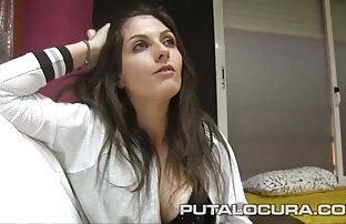 باریک زن زیبا برهنه در دانلود رایگان فیلم سکسی سوپر مقابل دوربین