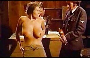 تخت آنا درج انگشت خود را در دانلود رایگان فیلم سکسی گروهی بیدمشک او